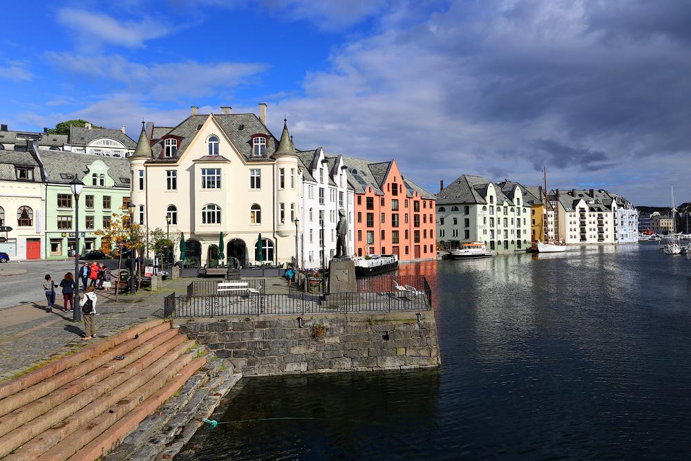 Самый красивый город Норвегии и фьорды бюджетно из Вильнюса.