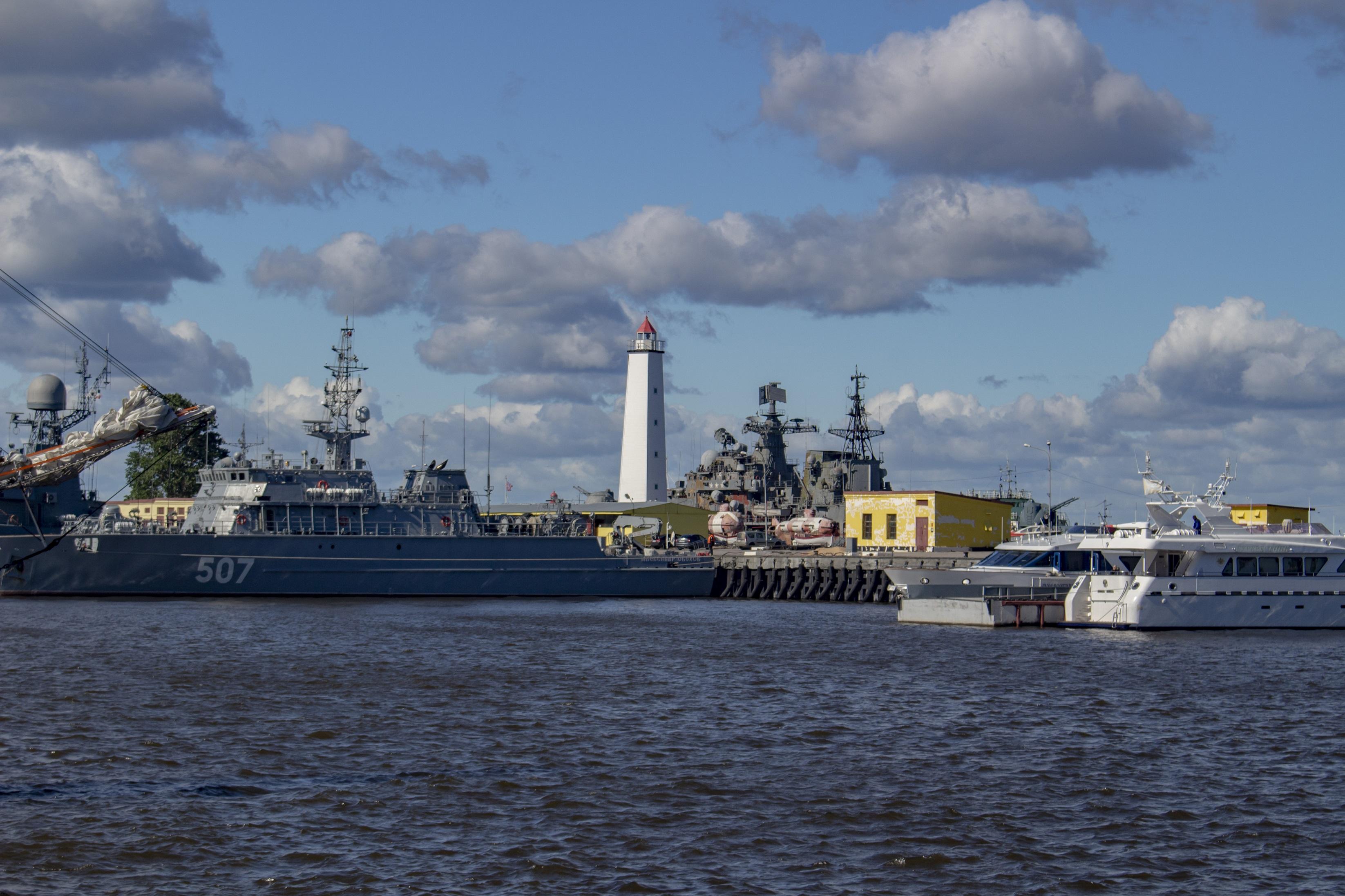 Порт Кронштадта